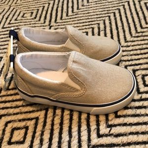 Baby gap size 6 toddler slip ons. Linen canvas